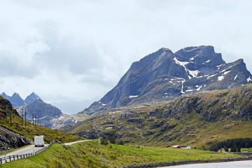 Panorama mit Reisemobil auf den Lofoten