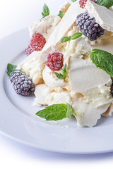 meringue cake with berries