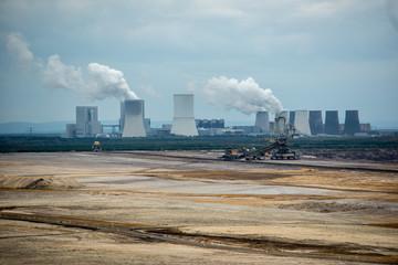 Braunkohletagebau in der Lausitz mit Kraftwerk Schwarze Pumpe