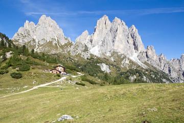Cadinigruppe mit Rifugio Citta di Carpi, Dolomiten, Südtirol
