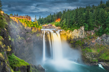 Fototapete - Falls City, Washington, USA at Snoqualmie Falls