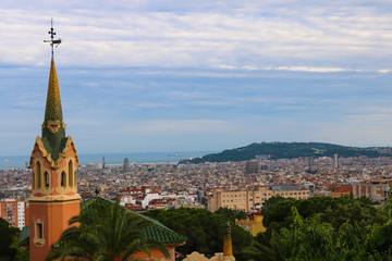 Foto op Plexiglas Barcelona Cityscape of Barcelona, taken near Parc Guell in June 2018
