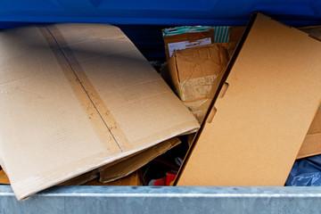 karton im container