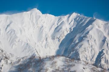 Snow Ridge - 積雪の尾根
