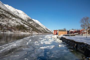 Ice breaks up in river Vefsna