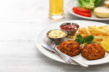 homemade maryland crab cakes plate