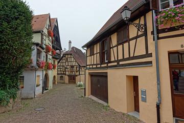 Village d'Eguisheim, Alsace, Haut-Rhin, Grand Est, France