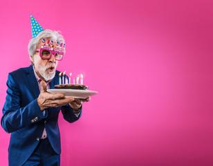 Senior feiert Geburtstag