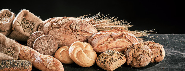 In de dag Brood Banner with freshly baked bread loaves