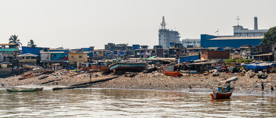 This slum is placed but a few hundred meters from one of the main tourist attractions: Gateway Of India (Mumbai).