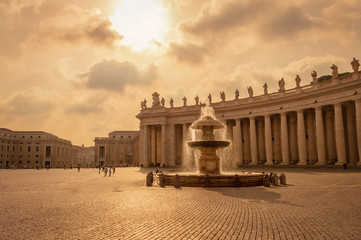Wall Mural - Saint Peter's basilica in St Peter's square in Vatican, Rome Italy