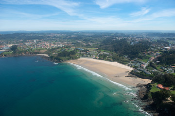 image of a beach line