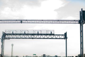 注意 ナビ 警告 オービス 安全 高速 サービスエリア 道路 法律 交通法 スピード 測定