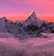 Foto auf AluDibond Rosa Lovey Greatness of Nature concept. Ama Dablam peak (6856 m) at sunrise. Nepal, Himalayas.