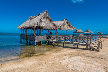 Resturant am Strand von Punta Gorda auf Roatan