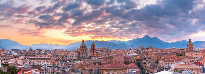 Spoed Fotobehang Palermo Palermo at sunset, Sicily, Italy