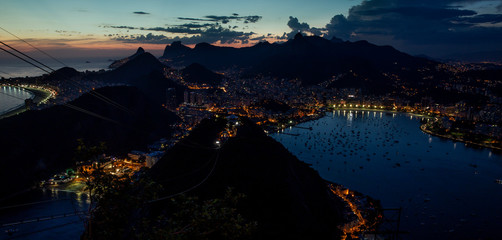 Fotomurales - Rio de Janeiro at night, Brazil