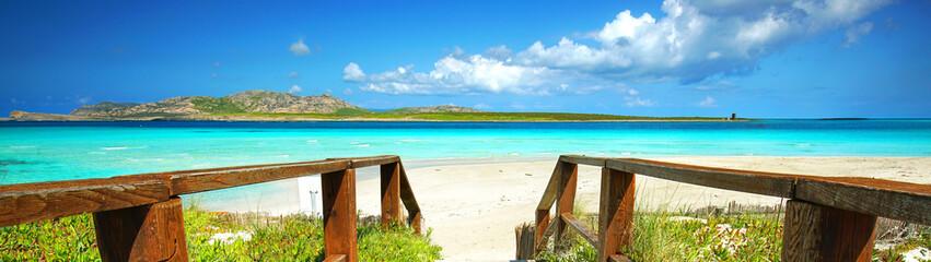 Fotomurales - Lagune mit weißen Sand und türkisblauen Wasser