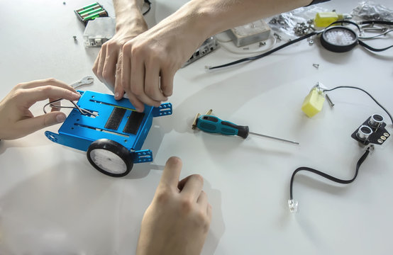 Students making future robot