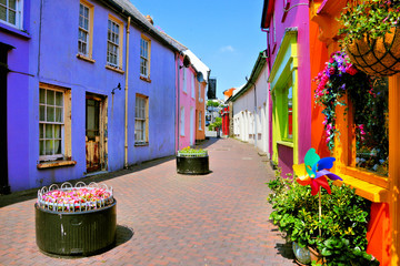 Fototapete - Quaint street lined with vibrant colorful buildings in the Old Town of Kinsale, County Cork, Ireland