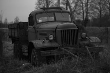 Fototapeta old rusty truck