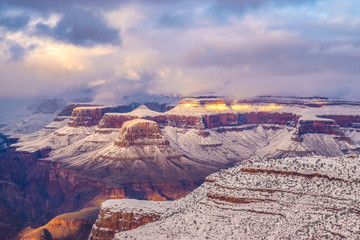Foto op Aluminium Lavendel Beautiful Sunrise to Sunset Hike Through Grand Canyon National Park in Arizona
