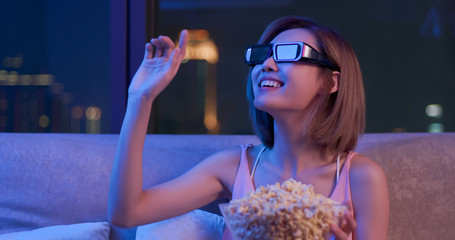 woman watch 3d movie