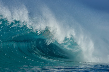 USA, Hawaii, Oahum, Pacific Ocean, big dramatic wave