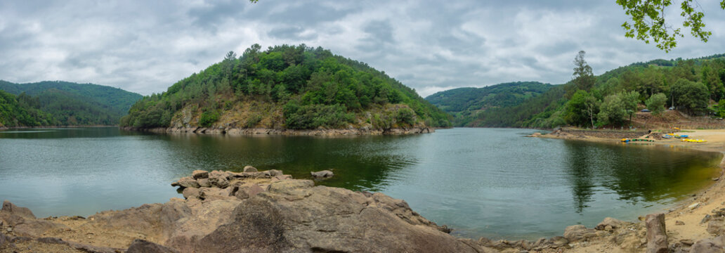 Panoramic of a river beach in the Ribeira Sacra
