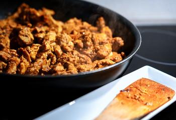 Frying gyros in a pan