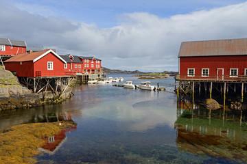 Fischerdorf A im Süden der Lofoten