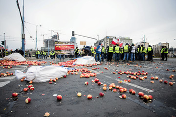 Farmers protest in Warsaw