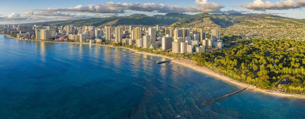 Wall Mural - Honolulu skyline with ocean front