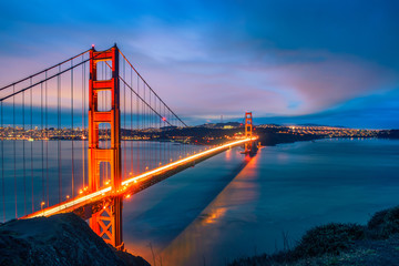 Photo sur Plexiglas Ponts Golden Gate Bridge at night