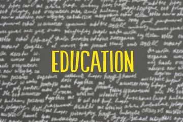 Eine Tafel mit verschiedenen Wörtern und die Bildung