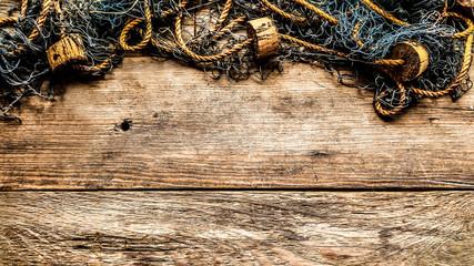 arrière-plan filet de pêche sur fond bois