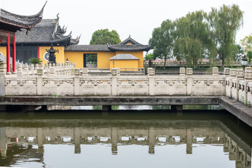 Bridges and temples of all Fook temple in Suzhou