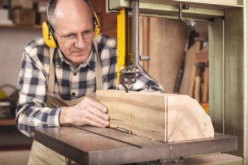 Holz bearbeiten mit der Bandsäge