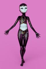 Weiblicher Außerirdischer posiert in futuristischer Kleidung