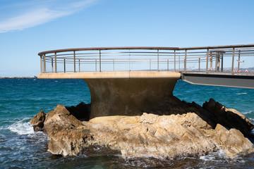 Marseille, jetée de la Plage des Catalans - Marseille Famous beach of the Catalans with the pier