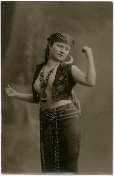 Racial Africa Egypt 1919