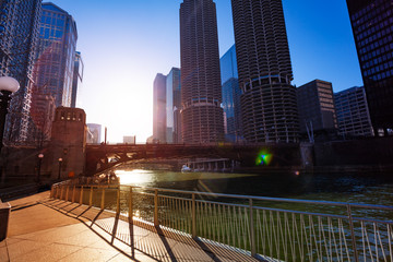 Spring sunlight on Chicago river embarkment, USA