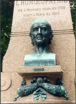 Grave of Hahnemann