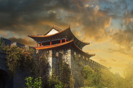 sunset on the wall,fortification of the old city of Dali ,yunan ,china