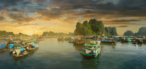 Sunset  in ha long bay,Vietnam