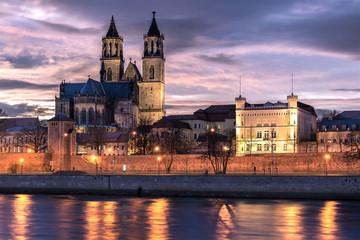 Magdeburger Dom bei Sonnenuntergang Fototapete