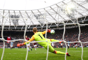 Premier League - West Ham United v Huddersfield Town