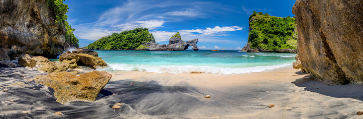 Big Panorama of idyllic tropical beach with small island and perfect azure clean water Fototapete