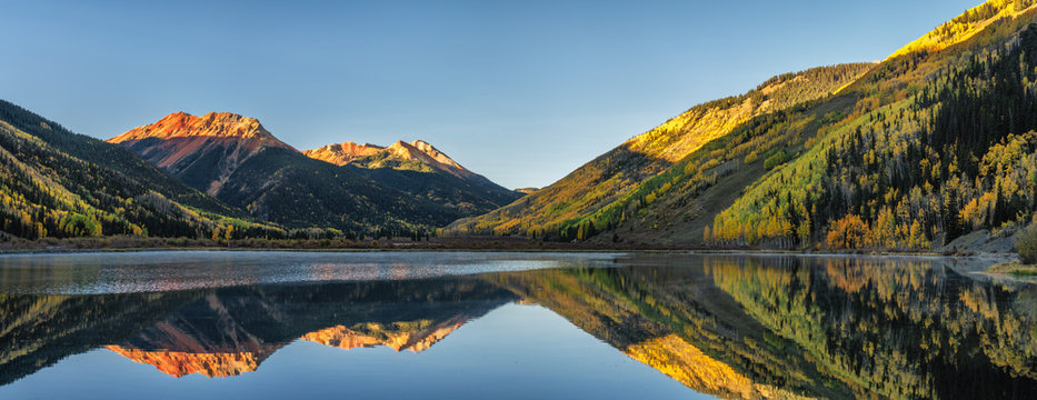 Autumn sunrise at Crystal Lake - Million Dollar Highway - Colorado