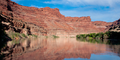 Green River view from the water in Southetn Utah Canyonlands National park